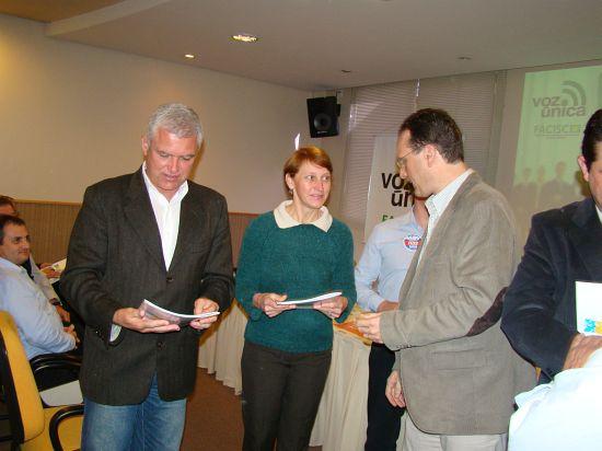 Miriam participa do lançamento da cartilha Voz Única