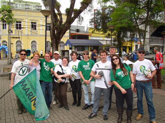Miriam 4343 cumpre agenda intensa no Vale do Itajaí e em Joinville