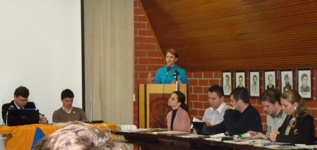 Miriam apresenta propostas para jovens empreendedores da JCI Rio do Sul