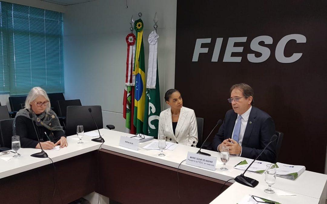Marina Silva fala sobre alianças políticas e desenvolvimento econômico em SC